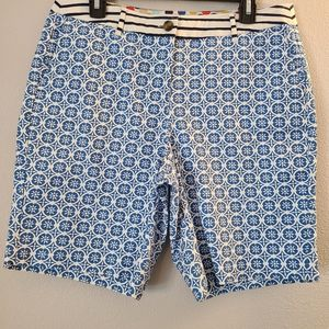 """Boden Blue and White Printed 9"""" Bermuda Shorts"""